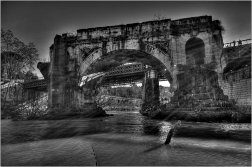 ponte rotto bianco e nero hdr roma-marioiscra