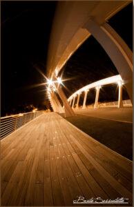 ponte con luci notturne legno