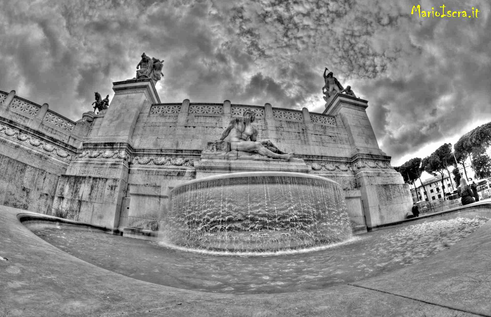 altare della patria roma bianco e nero
