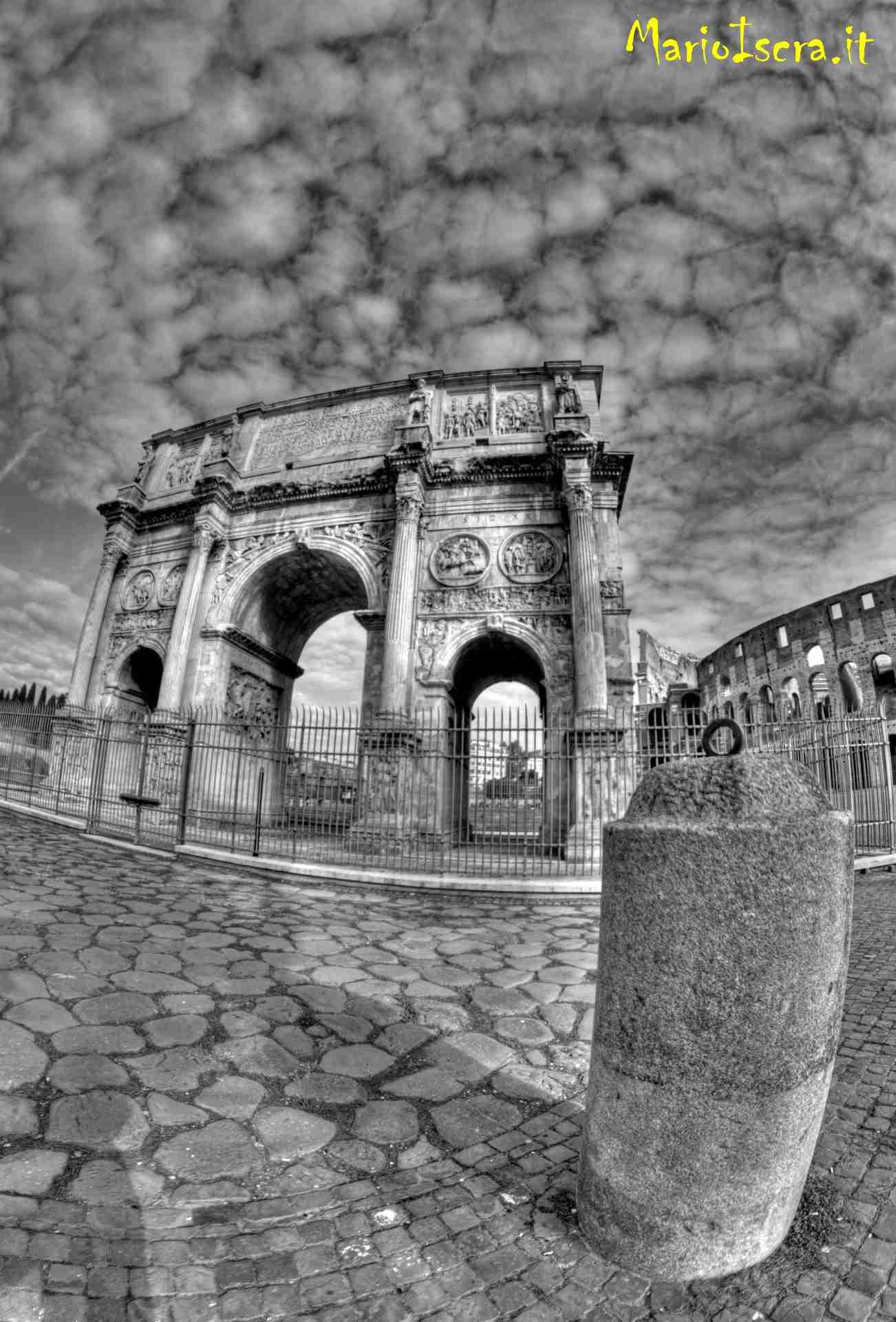 arco romano bianco e nero