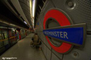 metro londra stazione